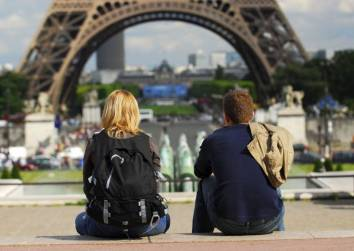tourists_in_paris